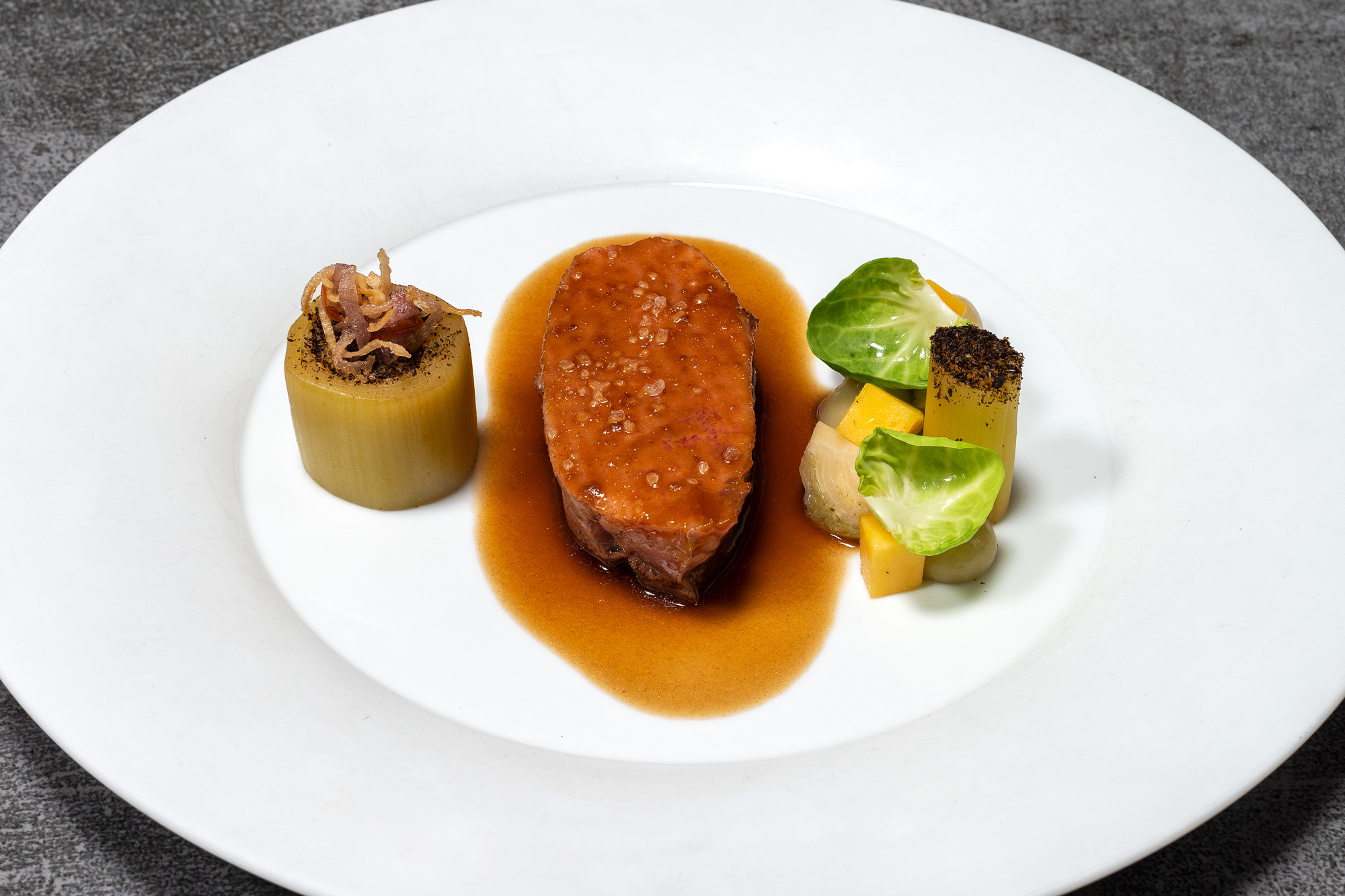 Iberico Presa | Mango | Ssamjang | Lauch | Rosenkohl